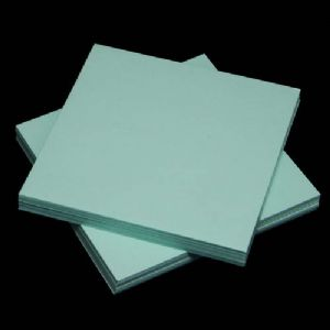 Both side colour origami, Light blue, 7.5cm x 7.5cm, 130 sheets, (Papers not perfectly square - sold at a discount), [KY671]